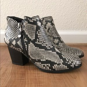 🌟New Listing🌟Style & Co Snake Skin Boots